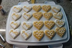 Nicole's parents celebrated their wedding anniversary (amazing) and I made these cookie favours for everyone to take home from their party. 50th Anniversary Cookies, 50th Wedding Anniversary, Anniversary Parties, Anniversary Ideas, Cookie Favors, Wedding Cookies, What To Cook, Sugar Cookies, Buffet