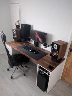 diy computer desk plans - and ideas for decoration, diy corner desk Home Office Setup, Home Office Desks, Home Office Furniture, Office Style, Ikea Desk, Diy Desk, Ikea Gaming Desk, Gaming Chair, Computer Desk Design