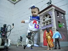 Stay Puft Marshmallow Baby Cosplay Source: http://www.incrediblethings.com/style-and-gear/stay-puft-marshmallow-baby-cosplay/
