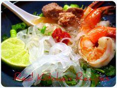 Red Kitchen Recipes: Hu Tieu - Vietnamese Noodle Soup - pork broth