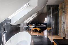 Sypialnia znajdująca się w nieruchomości położonej w Żorach przy ulicy Śląskiej.