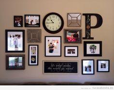 Ideas decorar pared salón con mural de fotos, letras y relojes