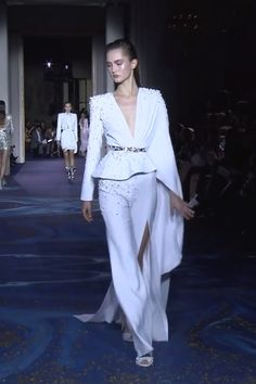 Gorgeous Embellished Asymmetric White Evening Woman's Suit with a Slit and V-Neck Cut. Couture Spring Summer 2019 by Zuhair Murad Haute Couture Dresses, Couture Mode, Couture Fashion, Runway Fashion, Suit Fashion, Fashion Show, Fashion Dresses, Fashion Design, Elegant Dresses