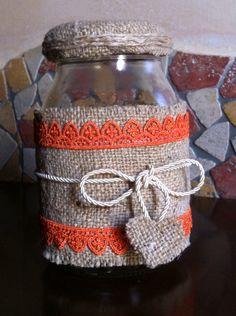 Barattolo decorato con juta, macramè e passamaneria