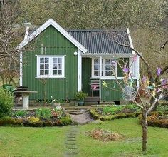Timber Trails: Turnkey tiny house, cabin kits, custom cottage designs built of super-efficient, affordable, easy-to-finish structural insulated panels (SIPs).TV - maybe a different exterior color