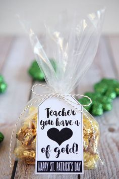 What actually Do Professors Really Want For Their personal gifts? Teacher Clutch Bag, Tailored tote baggage are the best option for hauling their e-books, papers and faculty provides during the course of the long weekend. Gourmet Gift Baskets, Gourmet Gifts, Volunteer Appreciation, Teacher Appreciation Week, Volunteer Gifts, Teachers Day Gifts, Teachers Day Decoration, Valentine Gifts For Teachers, Valentines