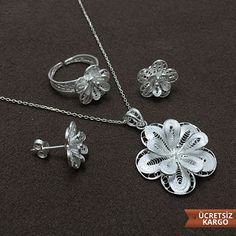 Midyat Gümüş Dünyası-Gümüşe Dair Herşey Silver Bangles, 925 Silver, Silver Rings, Gold Jewellery Design, Gold Jewelry, Modern Jewelry, Belly Button Rings, Wedding Gifts, Model