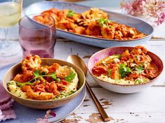 """""""There is nothing missing"""" -Tikka-Masala on a creamy polenta recipe Indian Food Recipes, Diet Recipes, Vegetarian Recipes, Cooking Recipes, Healthy Recipes, Ethnic Recipes, Slow Cooking, Healthy Food, Slow Cooker Tikka Masala"""