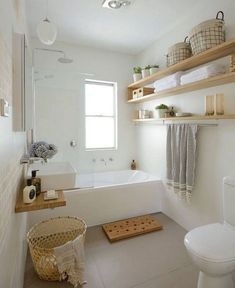 Luxus kleines Badezimmer, das Ideen verziert luxury small bathroom decorating ideas – – Modern Luxury Bathroom Small Bathroom Ideas fTips for small bathroom Small Luxury Bathrooms, Modern Bathroom, Bathroom Mirrors, Small Bathroom Bathtub, Bathroom Faucets, Bathroom Storage, Dyi Bathroom, Bathroom Hacks, Shower Bathroom