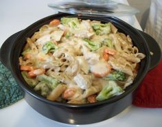 Cheesy chicken alfredo in the Rockcrok Everyday Pan.  Love one-pot meals!  http://new.pamperedchef.com/pws/irenedennis