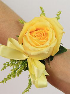 Prom Corsages | Yellow Rose Corsage. www.designsbylindy.com