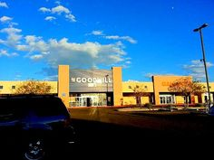 Ten Tips for Shopping at Goodwill and Other Thrift Stores