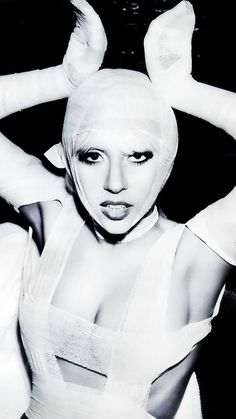 ig: @henriandrz Lady Gaga The Fame, Lady Gaga Joanne, The Fame Monster, Lady Gaga Pictures, Artist Life, Little Monsters, Favorite Person, Celebs, Celebrities
