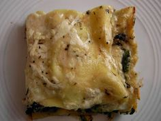 Vegan Thyme: Vegan Mushroom Lasagna in Velvety Bechamel Sauce (Learning to Knit Lace Again: A Black Shawl State of Mind) Vegetarian Entrees, Vegan Dinners, Vegan Vegetarian, Delicious Vegan Recipes, Healthy Recipes, Tasty, Mushroom Lasagna, Whole Food Recipes, Cooking Recipes
