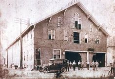 Snodgrass and sons owned this large livery stable  (circa 1915) that was located at 195 North Diamond Street. As automobiles became common, Snodgrass transitioned from the livery business to operating a taxicab service in Mansfield.
