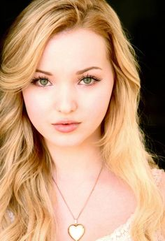 Dove Cameron Beautiful Women Pictures, Beautiful Celebrities, Dove Cameron Bikini, Dove Cameron Style, Drawing Female Body, Beauty Around The World, Girl Smoking, Facon, Woman Face