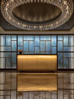 Langham Hotel: Concierge desk