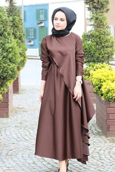 Clsema Kahve Elbise – Fashion and Street Styles on Internet Abaya Fashion, Muslim Fashion, Modest Fashion, Fashion Dresses, Modest Dresses, Modest Outfits, Stylish Dresses, Estilo Abaya, Hijab Dress Party