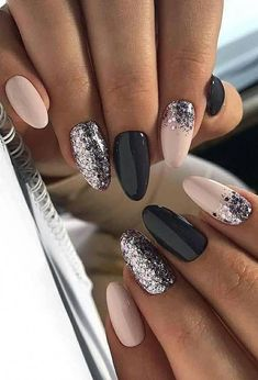 40 Fabulous Ways to Wear Glitter Nails, Looks a Cute Women Part glitter nails; glitter nails ombre Nails 40 Fabulous Ways to Wear Glitter Nails, Looks a Cute Women Part 6 Stylish Nails, Trendy Nails, Cute Nails, Sassy Nails, Nagellack Design, Nagellack Trends, Ongles Roses Clairs, Light Pink Nails, New Year's Nails