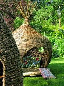 Onion dome by Judith Needham - Ok not a basket but still, I would love to have one of these in my backyard on my deck, just saying. Dream Garden, Garden Art, Garden Design, Outdoor Spaces, Outdoor Living, Outdoor Decor, Deco Nature, Garden Structures, Play Houses