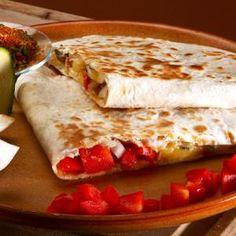 Kaktuszos Quesadilla (VEGA) - Megrendelhető itt: www.hu - A vizuális ételrendelő. Mexican Grill, Quesadilla, Grilling Recipes, Cravings, Tacos, Bread, Dishes, Ethnic Recipes, Food