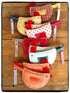 no pattern Pot holders Fabric Crafts, Sewing Crafts, Sewing Projects, Cute Crafts, Diy And Crafts, Diy Projects To Try, Craft Projects, Chicken Crafts, Quilted Potholders