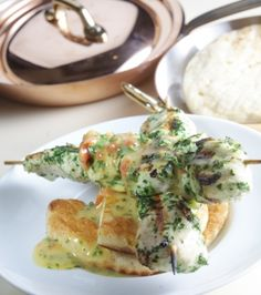Chicken with lemon and herbs recipe in Greek Herb Recipes, Cooking Recipes, Chicken Souvlaki, Lemon Chicken, Greek Recipes, Poultry, Feta, Main Dishes, Herbs