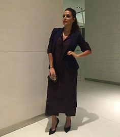 #NehaDhupia looks chic in this attire! Love a gold band on her neck! #Glamoursaga #Bollywood #Actress