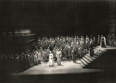 """ Lohengrin "" 2.Akt 1953 Wolfgang Wagner Bühnenphoto"
