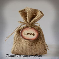 "SET OF 50 Natural Rustic Burlap Wedding Favor Bag or Gift Bag 4"" x 6"" with ""Love"" Wood Tag"