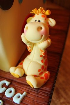 Baby Giraffe Fondant Figure. So CUTE I want to squeeze him! by courtney