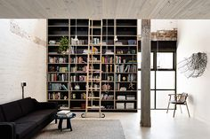 Completed in 2015, this warehouse conversion is the work of Architects EAT , an award-winning architecture and interior design practice i...