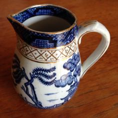 Wilton ware ye old Chinese willow creamer