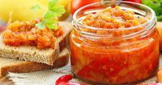 Výborná nátierka, ktorá úžasne obohatí napríklad hrianky či chlebík vo vajíčku. Canning Recipes, Salsa, Cooking, Ethnic Recipes, Cucina, Gravy, Salsa Music, Restaurant Salsa, Kochen