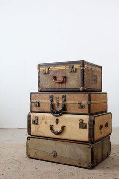 vintage 30s luggage / suitcase with travel hotel van 86home op Etsy