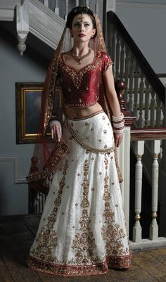 WB11 - Ivory brocade silk wedding outfit, with a red raw silk blouse and a net dupatta
