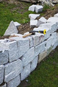 Trockensteinmauer im Eigenbau