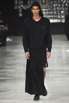 Catwalk photos and all the looks from Marcelo Burlon County of Milan Autumn/Winter 2016-17 Menswear Milan Fashion Week