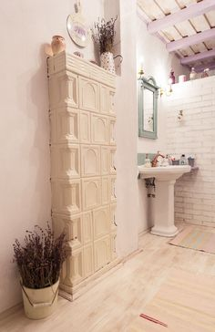 Bathroom from a Romanian country house Traditional Bathroom, Traditional House, Traditional Interior, Design Case, Modern Interior, Interior Design, Decoration, Tall Cabinet Storage, House Design