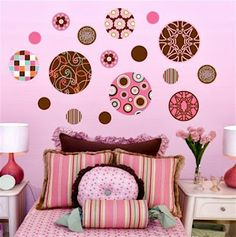 Color combination in the girls room - set up with pink and brown - Extraordinary hair Muebles Color Chocolate, Birds In The Sky, Brown Walls, Pink Brown, Brown Brown, Pink Walls, Color Rosa, Room Set, Wall Murals