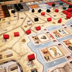 Esa carretera roja de Capetown hace 2 turnos era propiedad de Saint Louis... ----- This is the result of a very aggressive expansion from Capetown all this red was white two turns ago.  #Mombasa #boardgames #juegosdemesa muevecubos.com