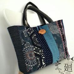 【古布のパッチワーク刺し子トートバッグ】⠀ こぎれ雑貨 廻-MEGRI-の定番商品、古布のトートバッグ。⠀ こちらが、記念すべき1作目でした。⠀ A4ファイルケースや通販カタログも入る大容量。お稽古や日帰り旅にも良いですね。⠀ ⠀ ---⠀ This is a tote bag made of Japanese vintage cloth.⠀ ⠀ #こぎれ雑貨廻 #古布 #藍染 #絣 #刺し子 #着物リメイク #トートバッグ #Japanesefabric #Japaneseindigo #kimono #bag