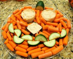 making halloween party trays out of food   ... an easy veggie tray on Living Locurto's round-up of 10 veggie trays