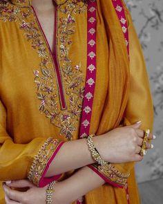 Velvet Dress Designs, Dress Neck Designs, Kurti Neck Designs, Stylish Dress Designs, Designs For Dresses, Pakistani Formal Dresses, Pakistani Fashion Party Wear, Pakistani Dress Design, Punjabi Suits Designer Boutique