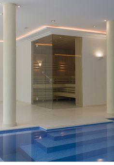sauna and pool Portable Steam Sauna, Sauna Steam Room, Infinity Pools, Saunas, Home Id, Wellness, Cool Pools, Home Projects, Bungalow