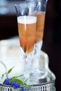 Hayman's Gin Fling   12.5ml Hayman's London Dry Gin 12.5ml Haymans Sloe Gin 12.5ml Elderflower cordial The juice of 2 lemon wedges (approx 5-7ml) Top with prosecco/champagne Garnish with a lemon twist