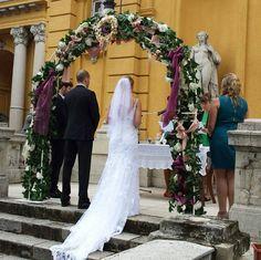 Boldogságkapu bérlés sötét lila. Gyere és válogass a több mint 500 csodálatos egyedi esküvői kellék közül. Mennyiségi kedvezményekkel várunk. MerciDekor.hu Inspirációs képeink segítenek a Te stílusod megtalálásában. Gyere és hívj: Tel: 30/385-4688 Ingyenes tanácsadással várunk! - Boldogságkapu bérlés sötét lila Bridesmaid Dresses, Wedding Dresses, Fashion, Lilac, Bridesmade Dresses, Bride Dresses, Moda, Bridal Gowns, Fashion Styles