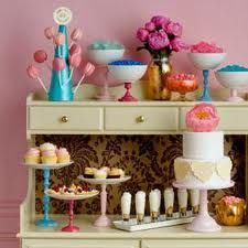 Pretty dessert table that's not a table! Dessert Stand, Dessert Buffet, Dessert Bars, Dessert Tables, Party Tables, Cupcake Stands, Party Trays, Candy Table, Candy Buffet