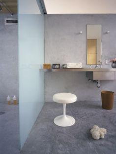 Saarinen Stool by Eero Saarinen