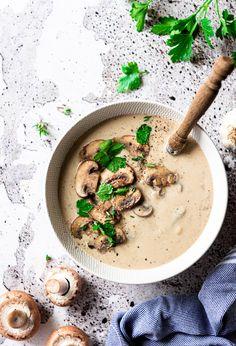 Champignonsoep zelf maken | Eef Kookt Zo Food L, Good Food, Clean Recipes, Soup Recipes, Superfood, Cheeseburger Chowder, Risotto, Hummus, Food Photography